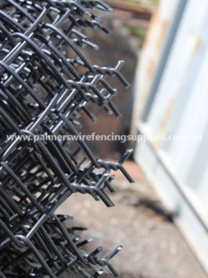 BLACK PVC 2.5 KNUCLE BARB